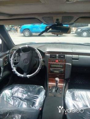 Mercedes-Benz in Tripoli - E320 Model 96