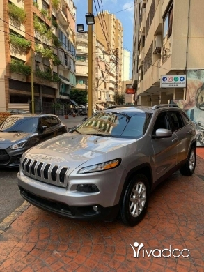 Jeep in Beirut City - Jeep Cherokee 4WD Latitude 2015