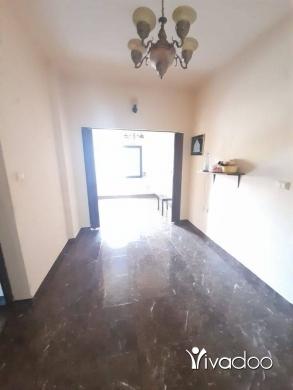 Apartments in Beirut City - شقة للبيع في لبنان/  شارع الحمرا الرئيسي