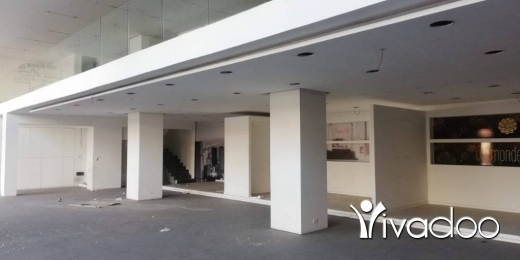 Show Room in Zalka - L08580-Prime Location Showroom for Rent on Zalka Highway – Cash!!