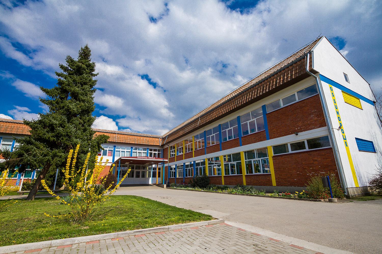 skole