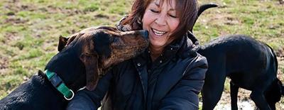 Что делать, если крупная собака любит прыгать на людей от радости?