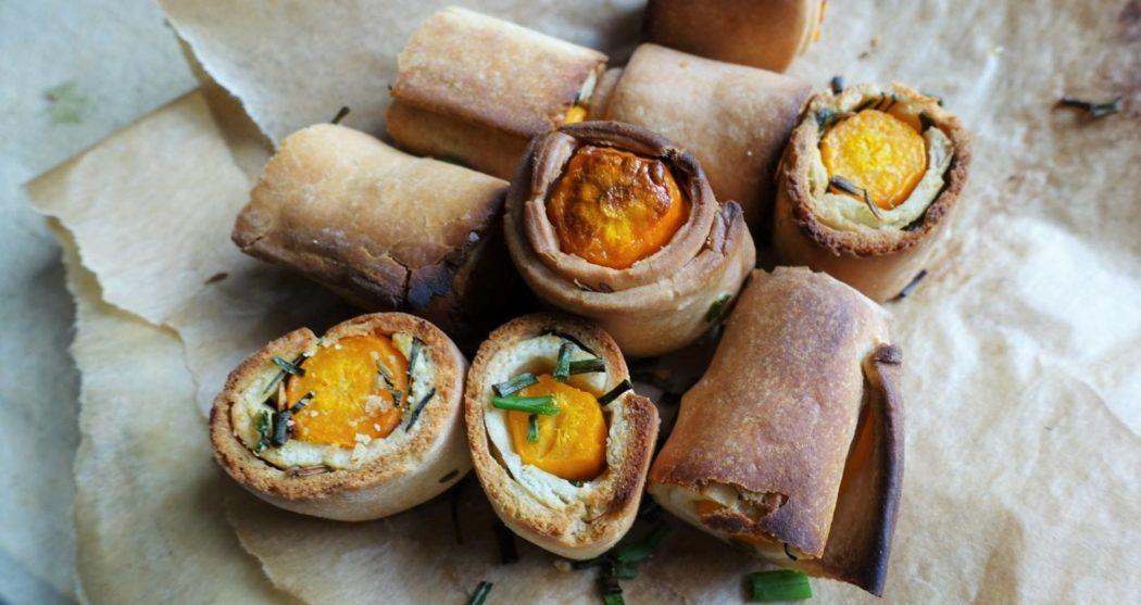 Wortelbroodjes-met-chilisaus