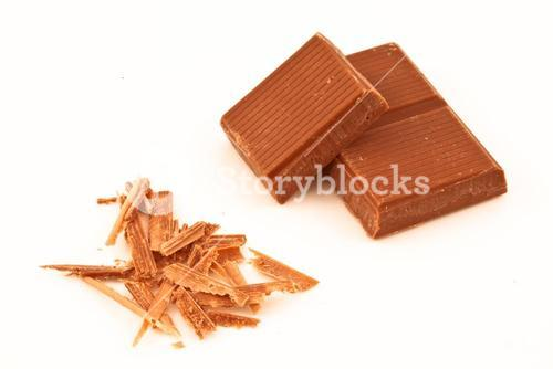 Chocolate pieces and chocolate shavings