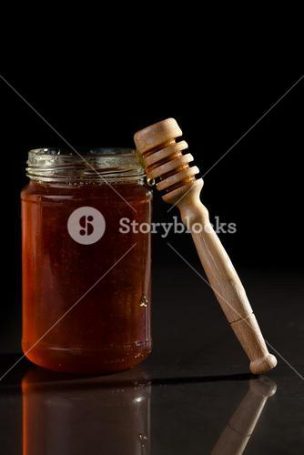 Honey jar and honey dipper