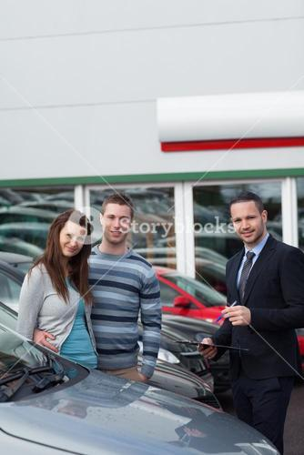 Clients buying a new car