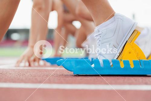 Starting block with runners