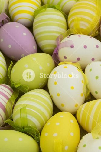 Many colourful easter eggs