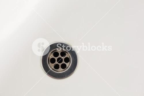 Overhead of drain in sink