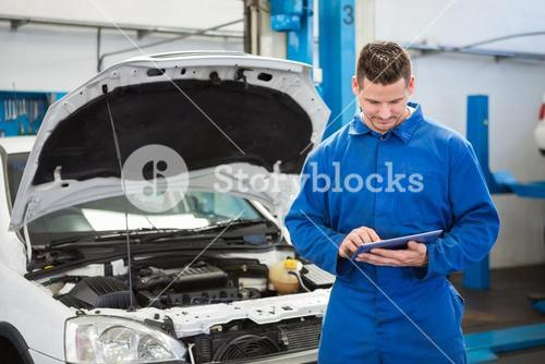 Mechanic using a tablet pc