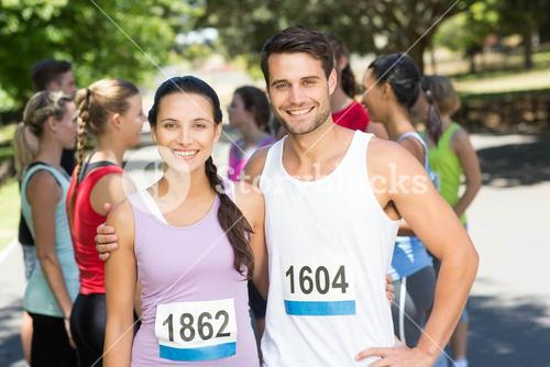 Fit friends before race in park