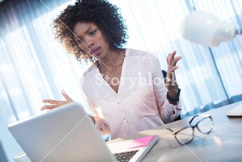 Businesswoman who gets angry on the computer