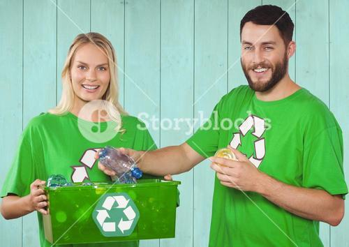 Volunteer couple for environment