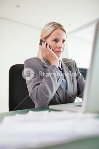 Businesswoman on the cellphone