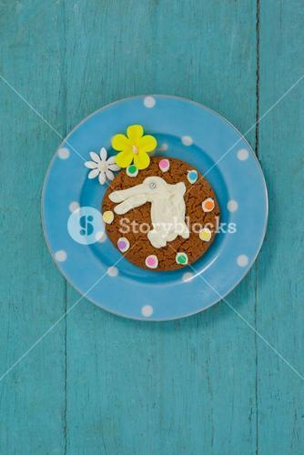 Cookie with various confectioneries in plate