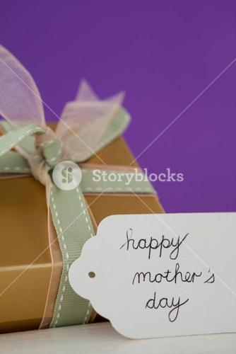 Happy mothers day card with gift box