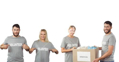volunteers couple