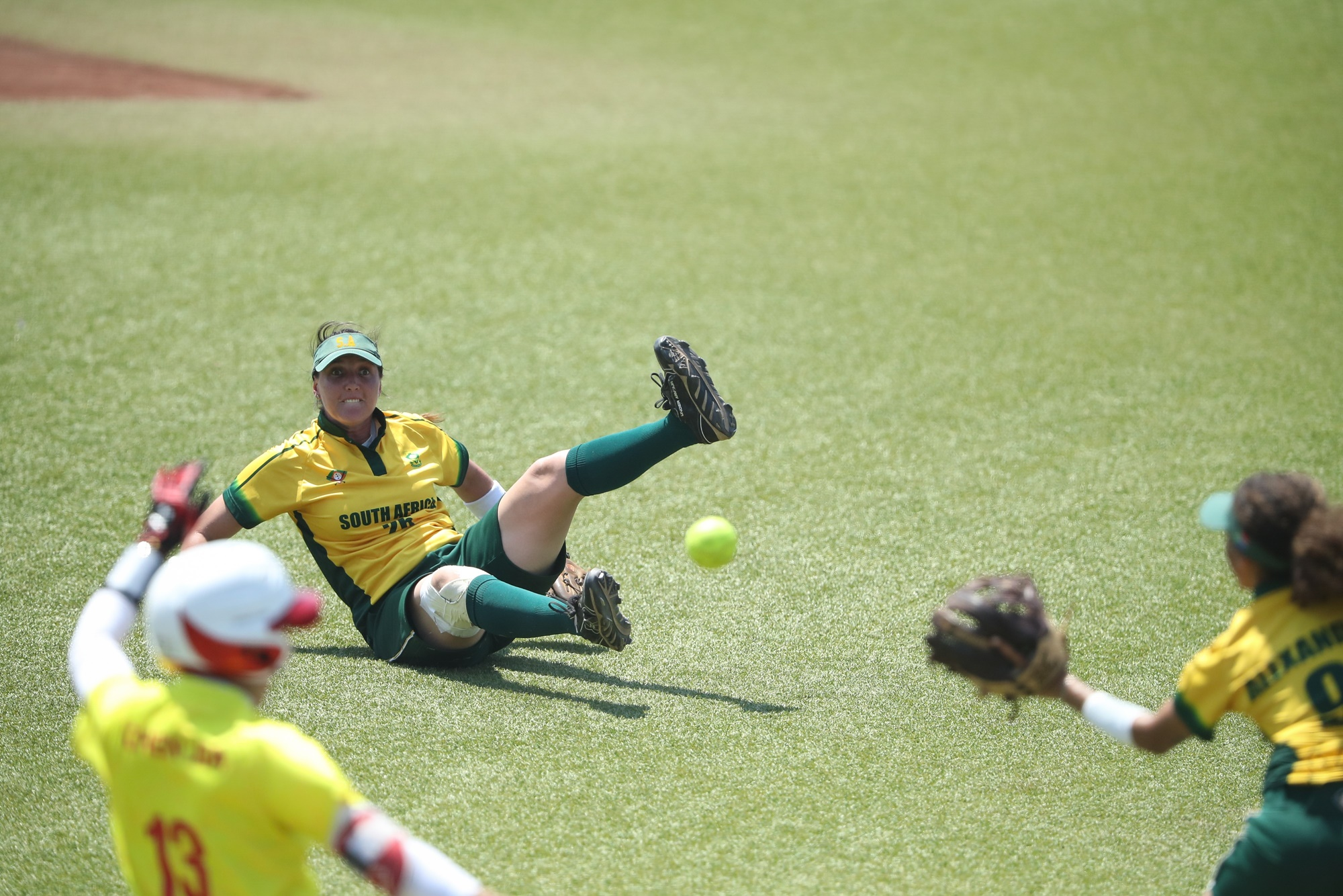 South Africa's defense tries hard