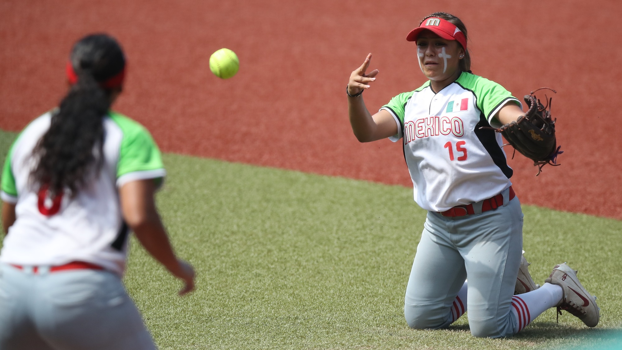 An assiste by Eliiya Flores to Victoria Vidales: Mexico played some very good defense