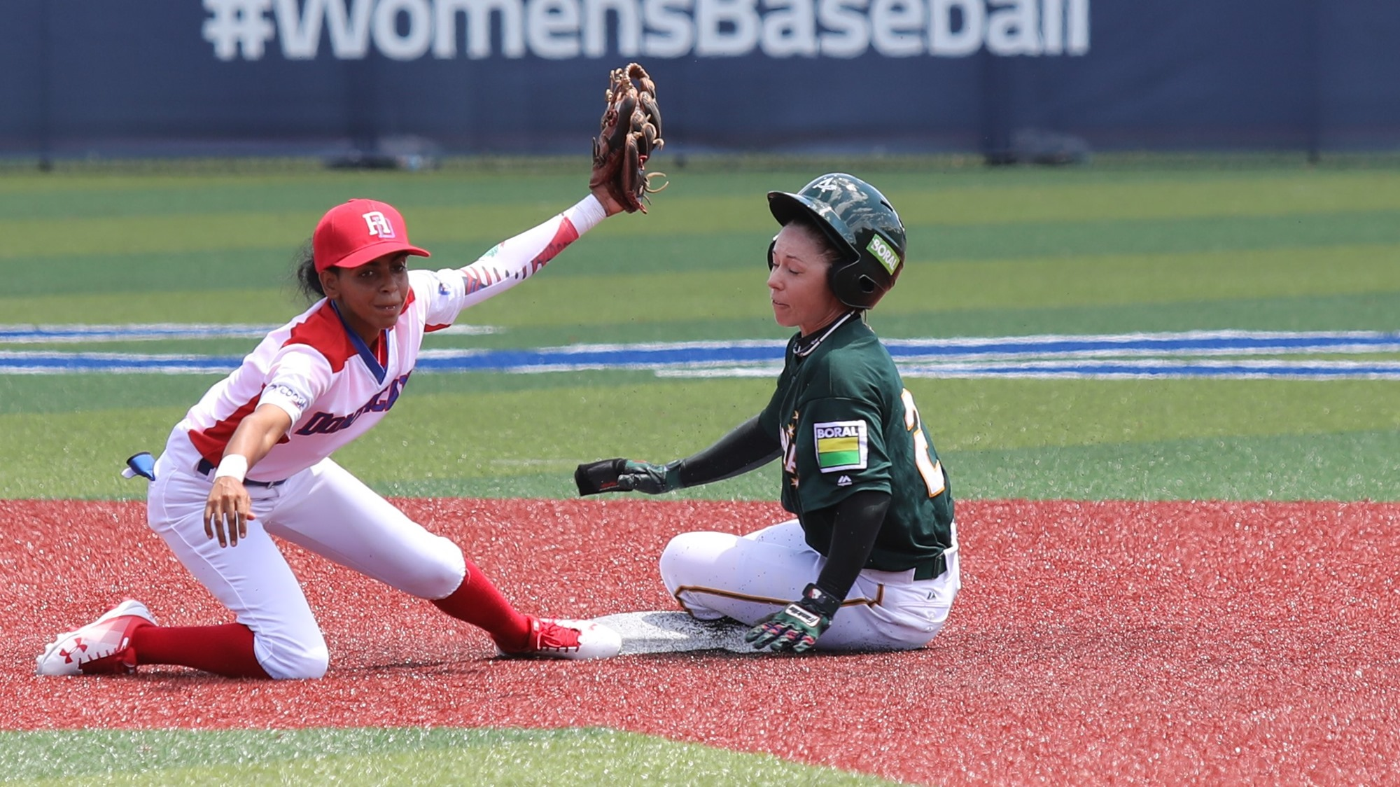 Yocarla Guerrero defends second base for Dominican Republic as Amanda Shae slides in
