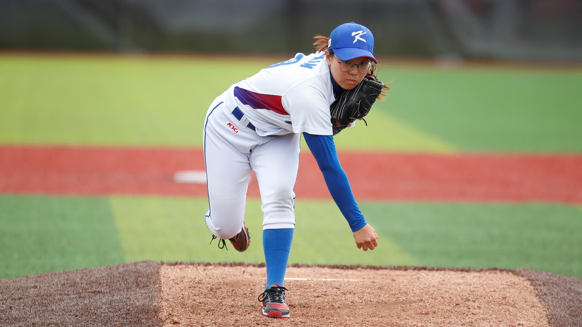Defensive errors proved costly also for Korea. Kim Rakyung picked the victory