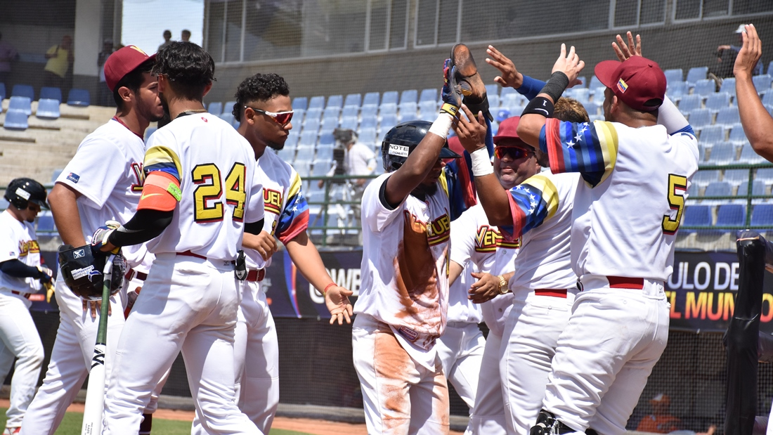 Venezuela claimed the win, 4-2, agains Australia in the opener in Monteria