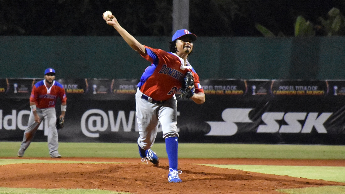 Harol Gonzalez started the game for Dominican Republic