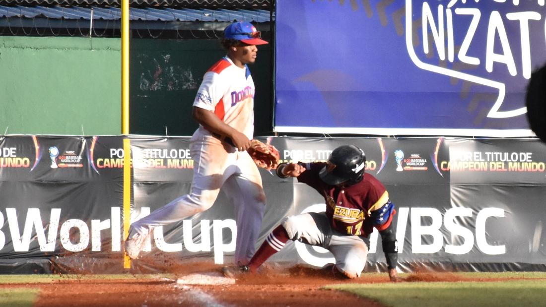 Jorma Rodriguez is safe at third base