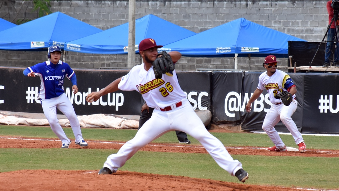 Nivaldo Rodriguez pitched 4 scoreless innings against Korea