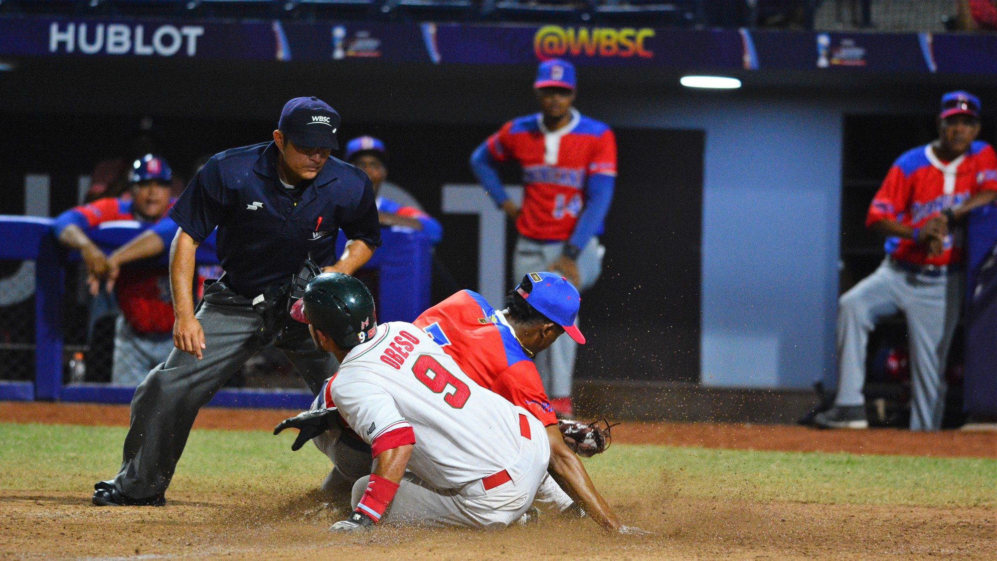 Norberto Obeso tagged for the out at home by Eduardo del Rosario