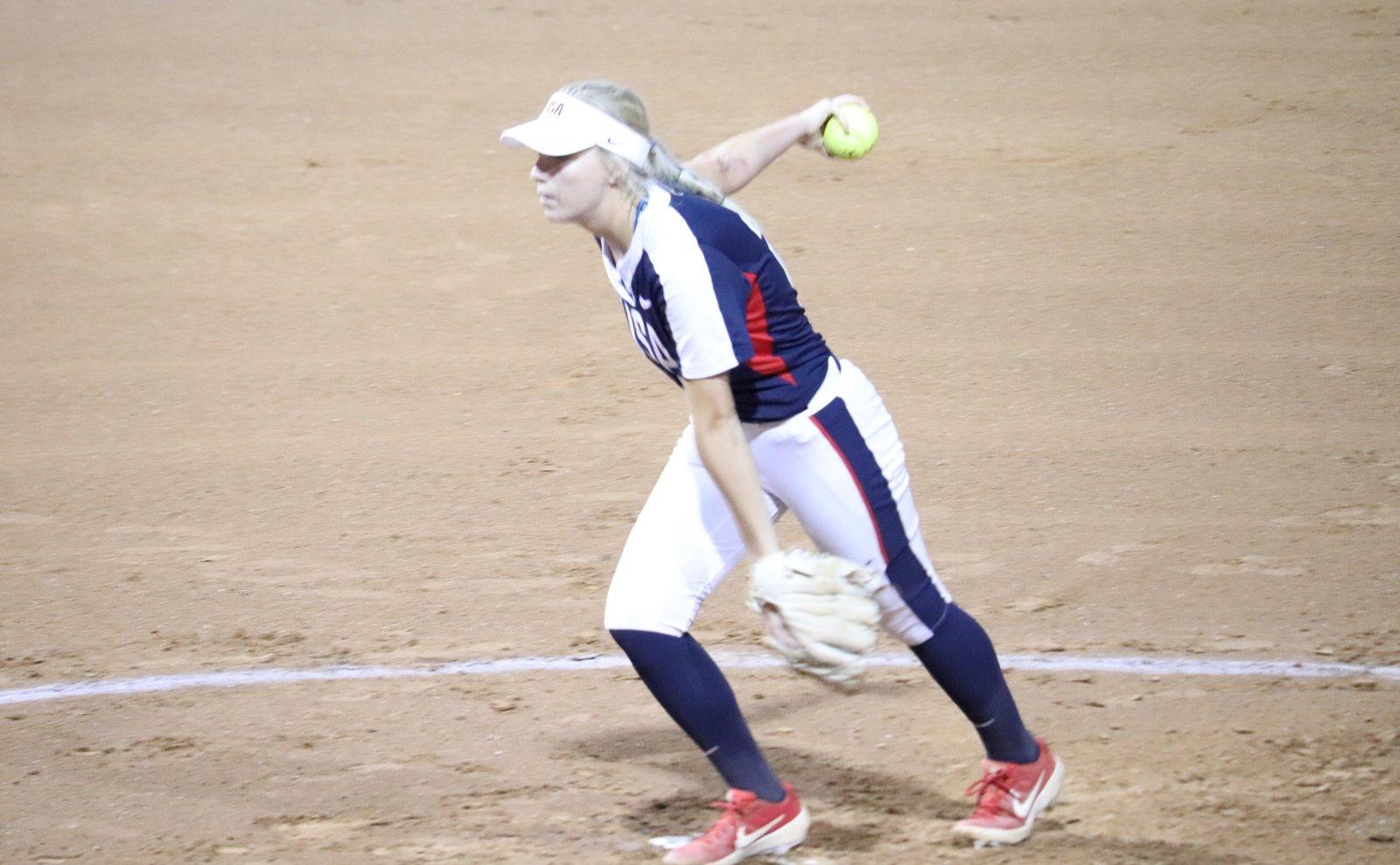 USA starter Kelly Lynch