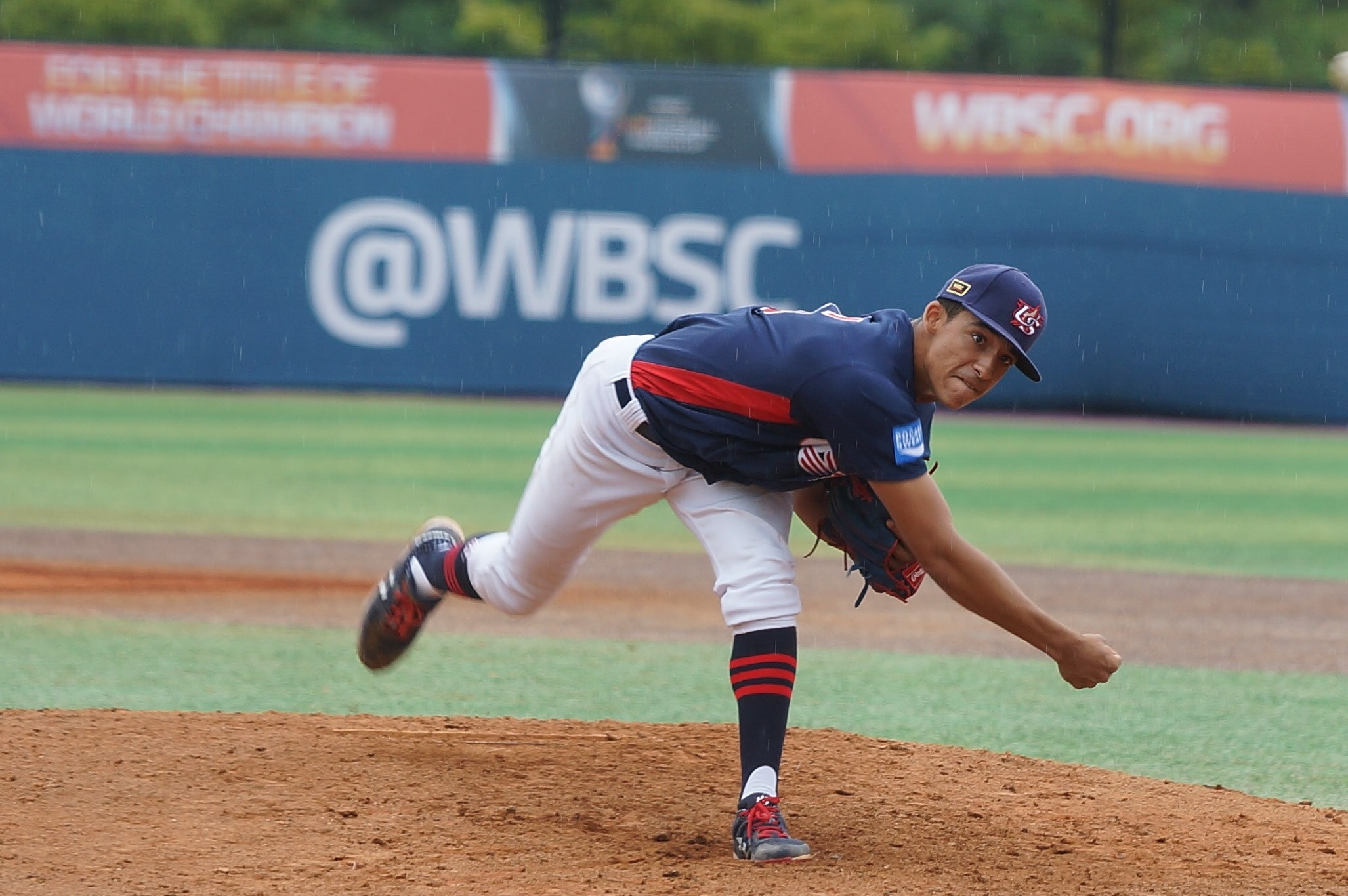 The USA gave the call to Alejandro Rosario, another flame thrower