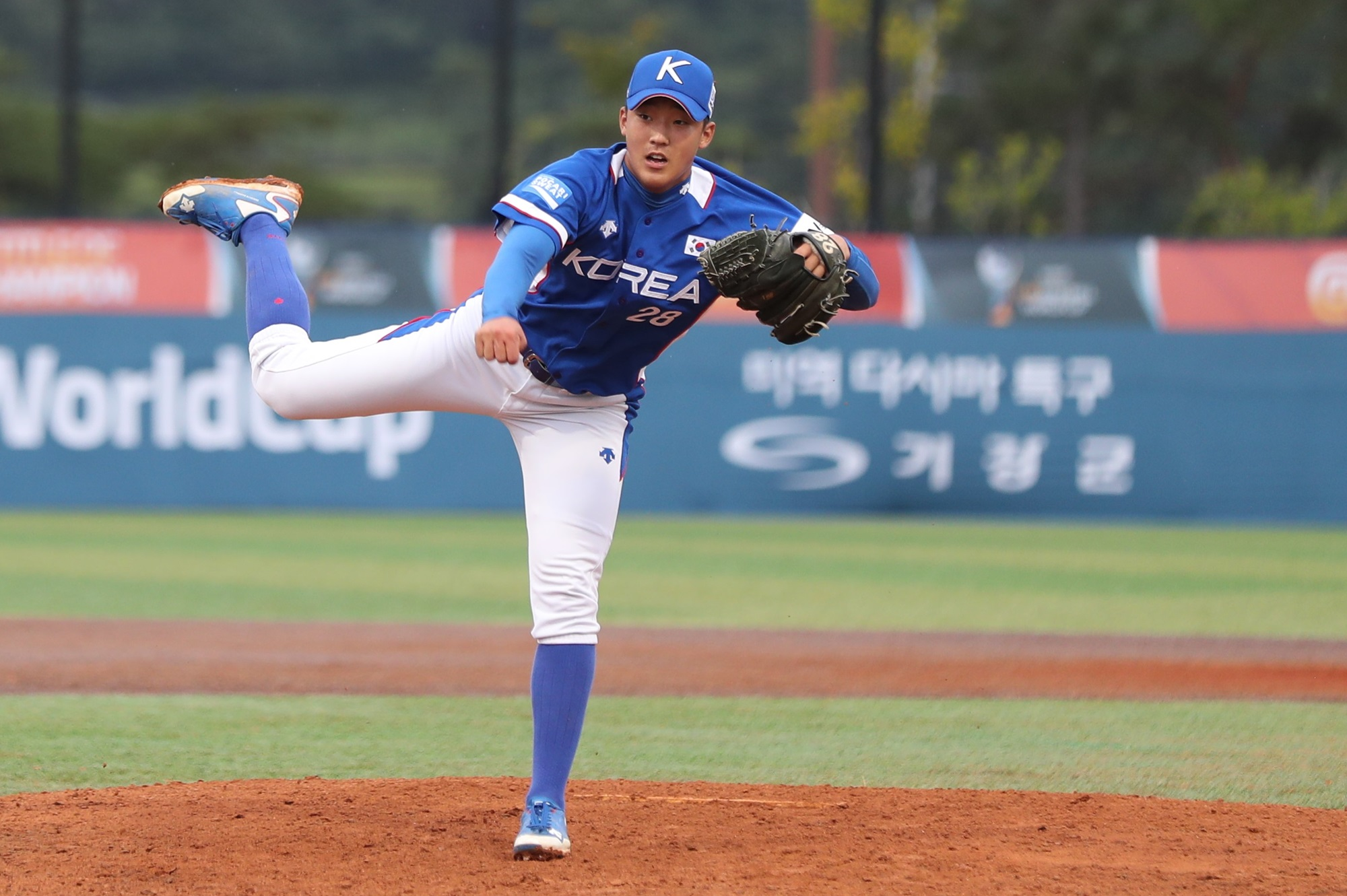 Korea's pitching staff approached the game as Committee