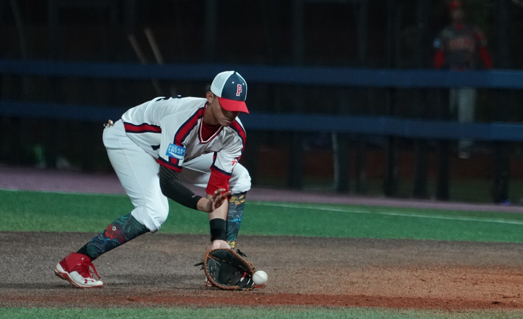 Panama's first baseman Adrian Sugastey