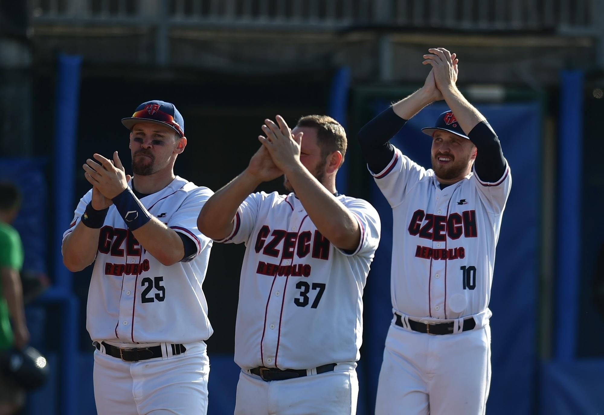 Czech players salute their fans