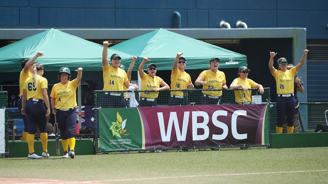 Australia clinched its first win of the WBSC Women's Softball Sorld Championship over Venezuela