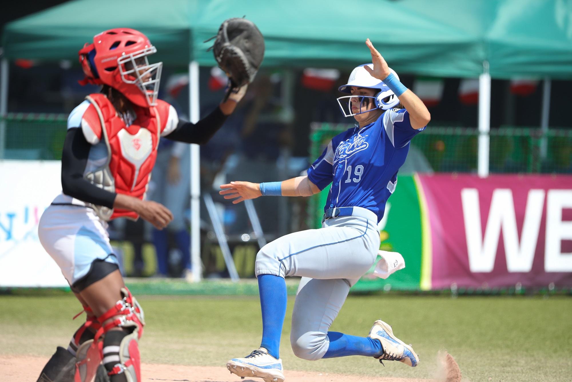 Marta Gasparotto scores for Italy against Botswana