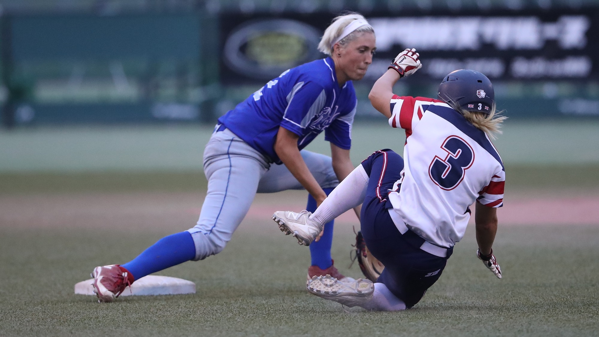 Great Britain lost a few chances to score. Here Amanda Fama tags for the out Victoria Charters