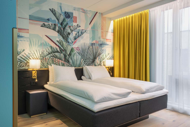 hotell, hotellseng, seng, interiør, tapet, palmetapet