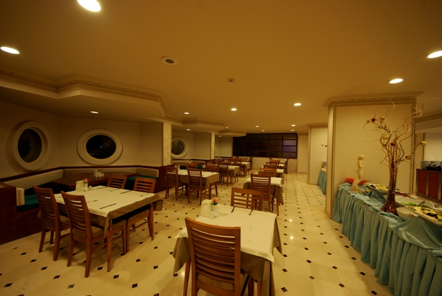 Caprice Beach Hotel6031
