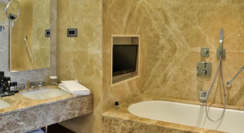 OMMER HOTEL16974