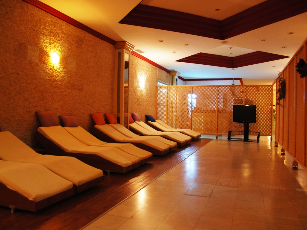 Adonis Hotel SPA 4