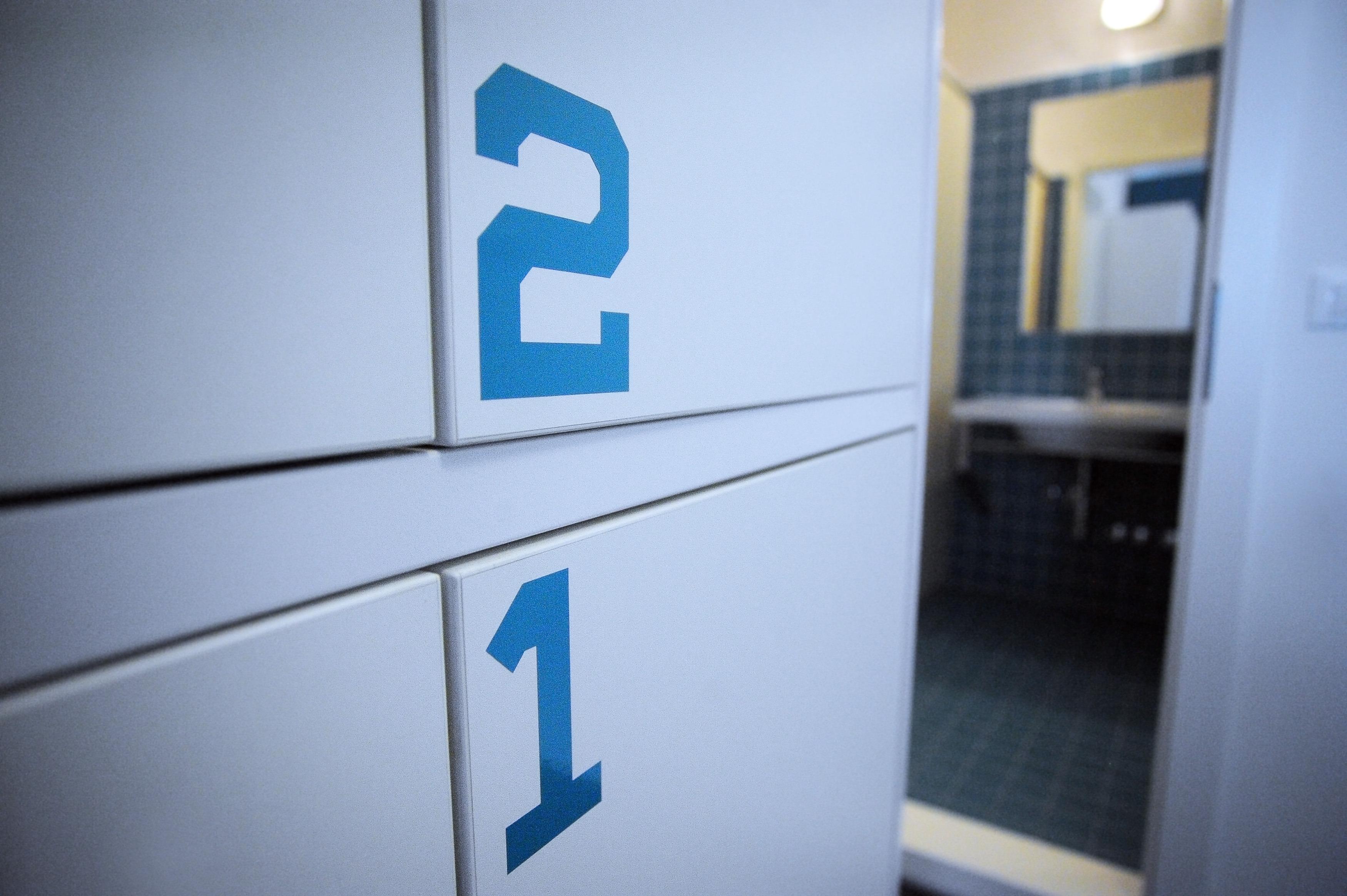 Hostel_Papalinna_4_bedroom_lockers