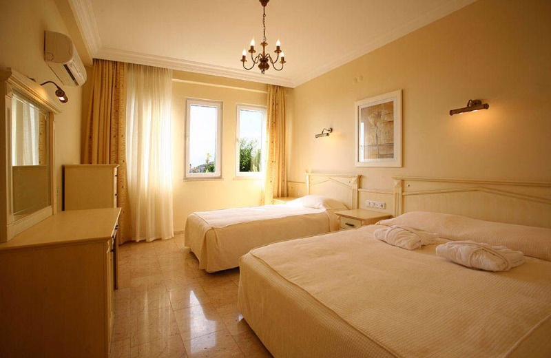 Hanneys Holidays Hotels23105