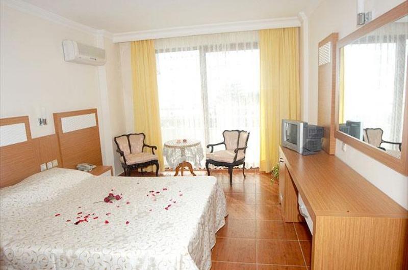 İDEAL BEACH HOTEL23939
