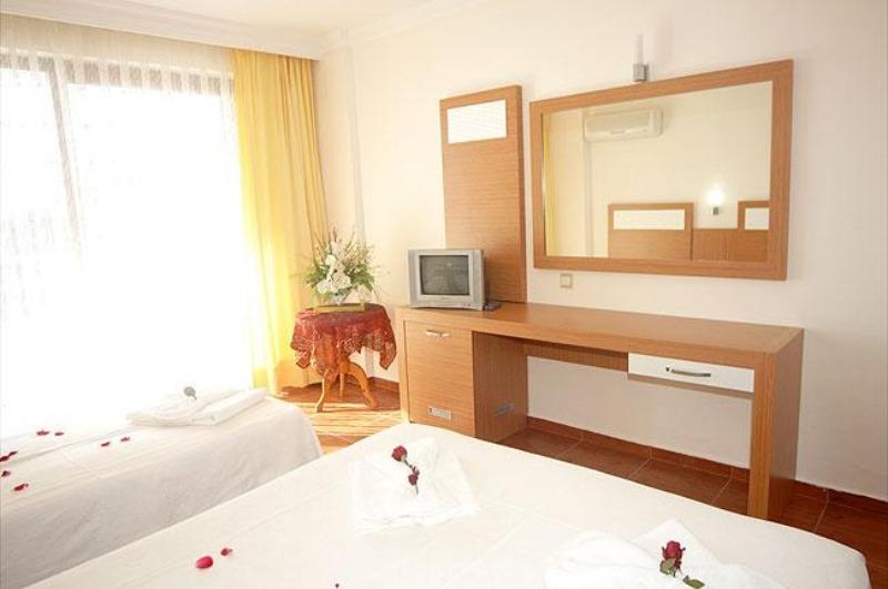 İDEAL BEACH HOTEL23945