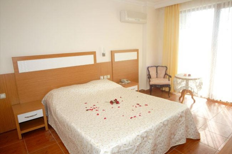 İDEAL BEACH HOTEL23947