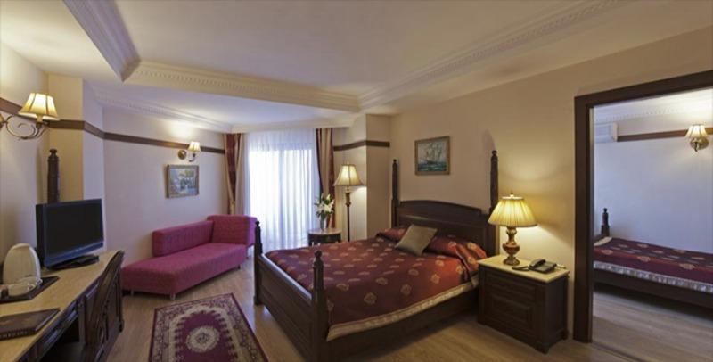 DELPHIN PALACE HOTEL28140