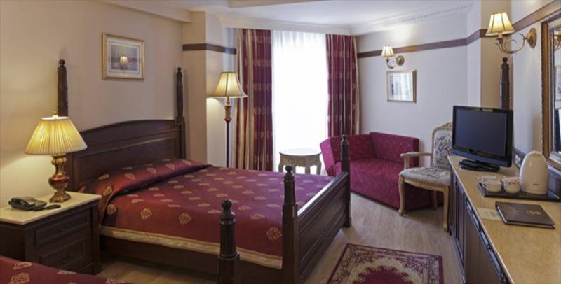 DELPHIN PALACE HOTEL28146