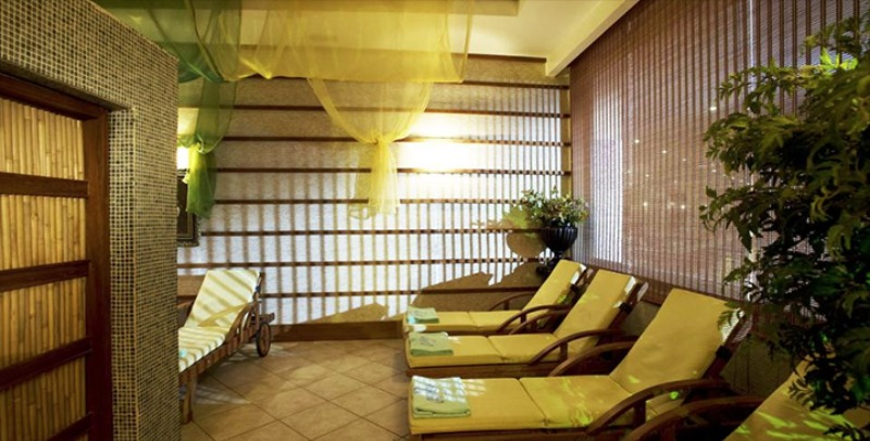DELPHIN PALACE HOTEL28164